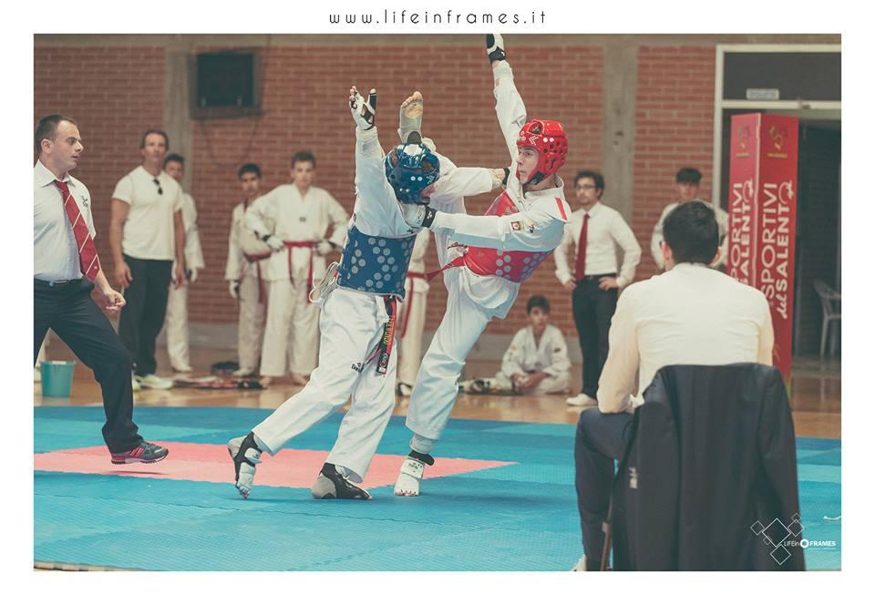 ancora salentiadi ma sempre giocando al taekwondo...