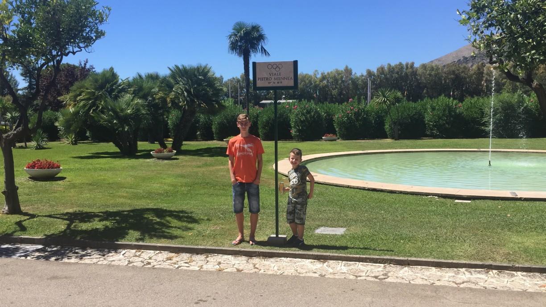 Riccardo e il suo fratello al centro di preparazione olimpica Formia al termine dello scorso raduno nel viale dedicato  a Pietro Mennea subito dopo aver saputo della convocazione al prossimo raduno...:-)