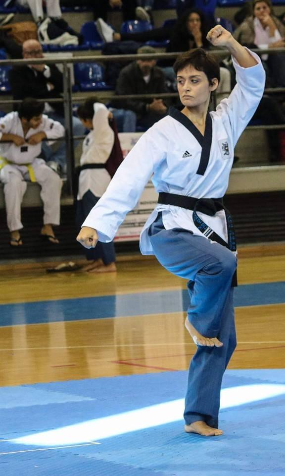 Forme Tradizionali allenate per le competizioni di qualsiasi livello, da campionato regionale a campionati internazionali. La Maestra Lucia in azione.