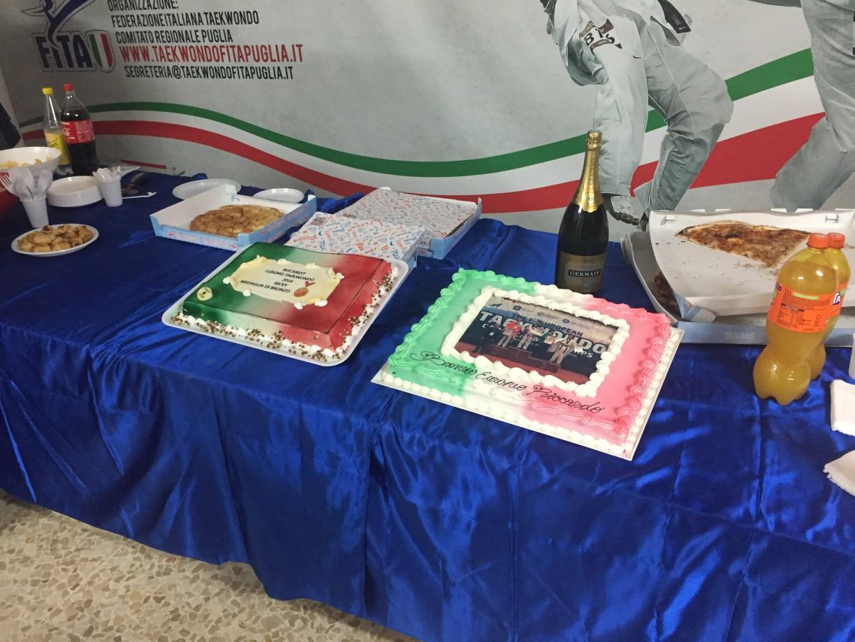 SI festeggia Due torte italiche :-)