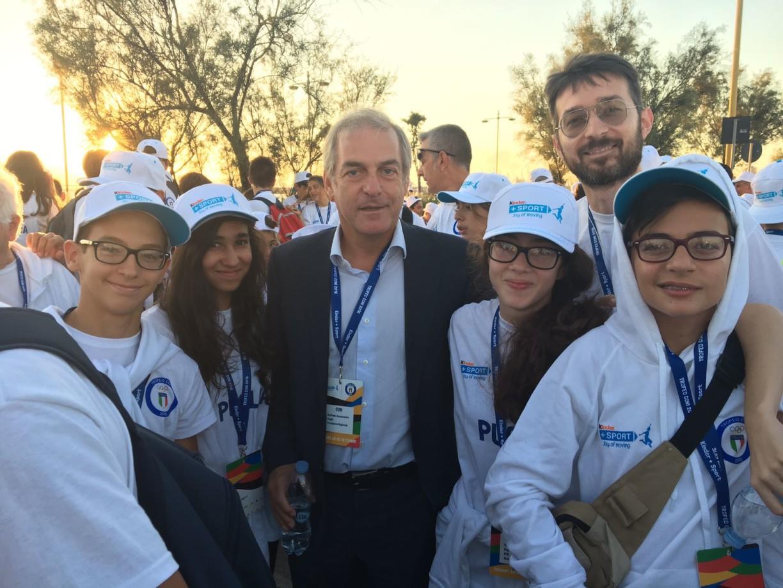 Marco in compagnia della squadra free style Puglia e del presidente regionale del coni Elio Sannicandro