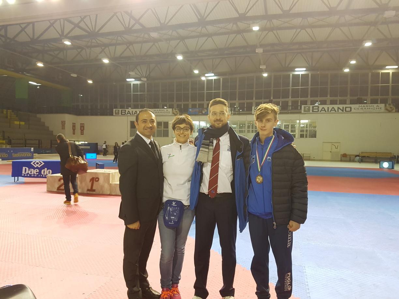 Riccardo con i Maestri e con il Presidente Regionale Dott. Arch. Martino Montanaro