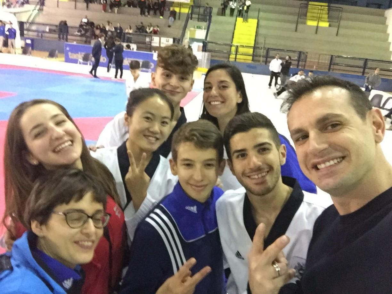 E bravi ...anche la foto con il campione olimpico Carlo Molfetta :-))